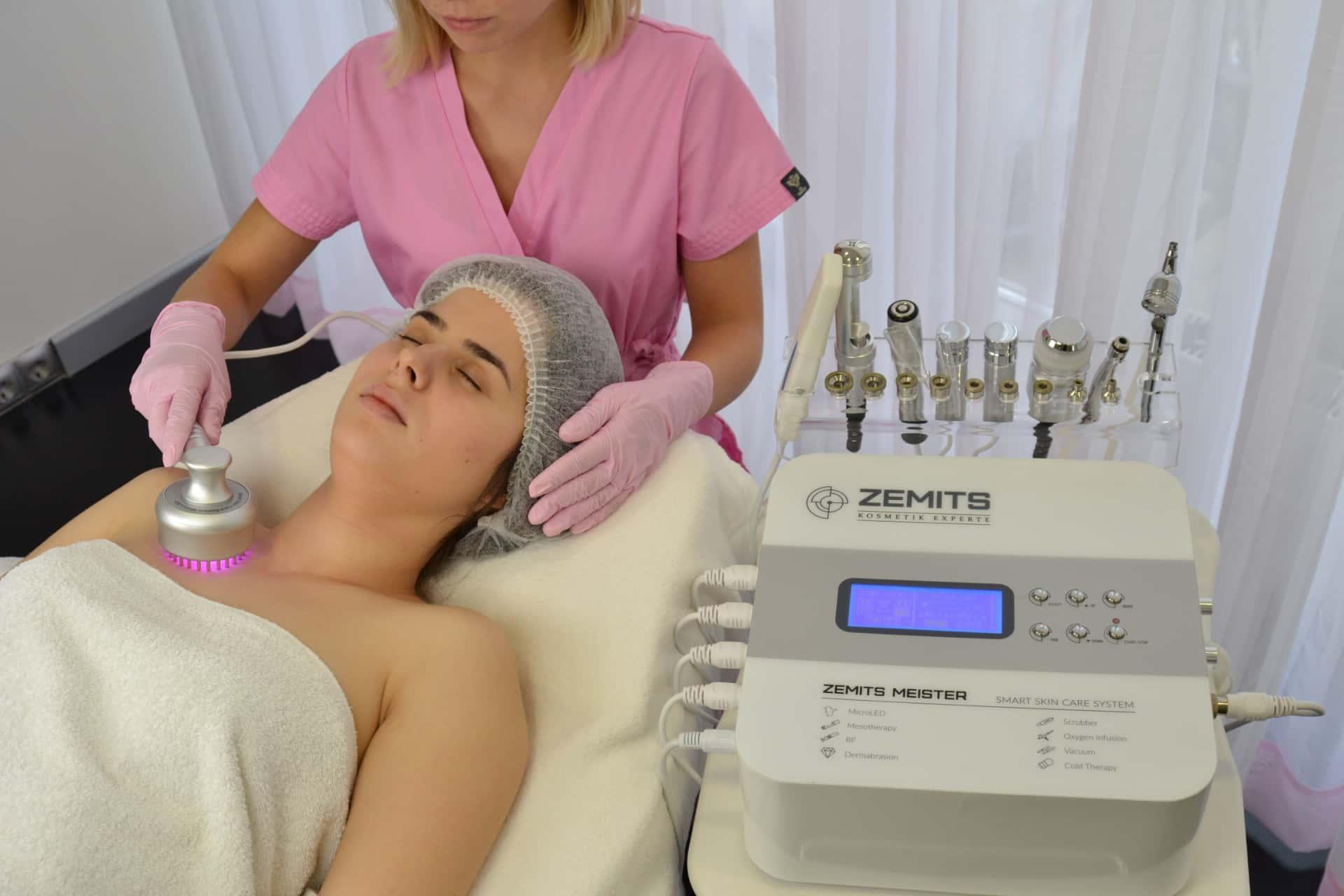 Kombajn do terapii twarzy przeciw starzeniu 8w1 Zemits Meister